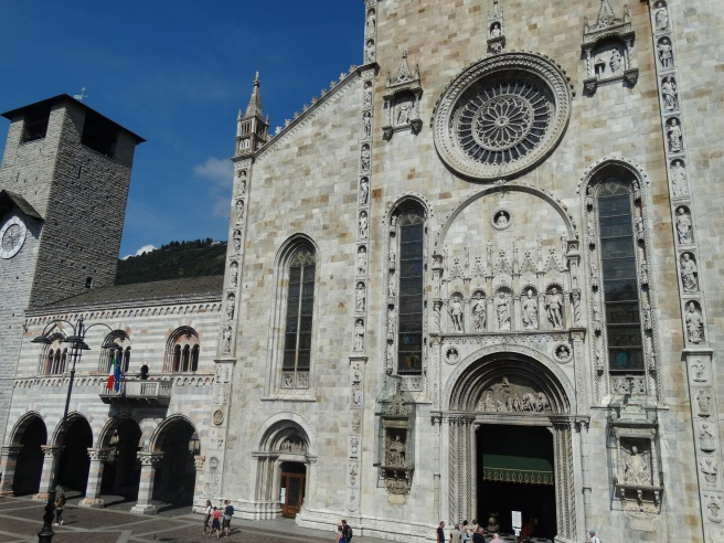 Como Cathedral - we sat in the square and had lunch with this as our backdrop.
