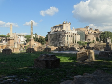 the ruins of the Temple of Saturn