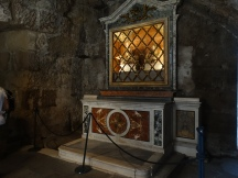 the altar in Carcere Di san Pietro (Mamertino)