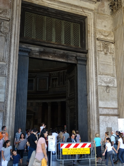 entry to the Pantheon
