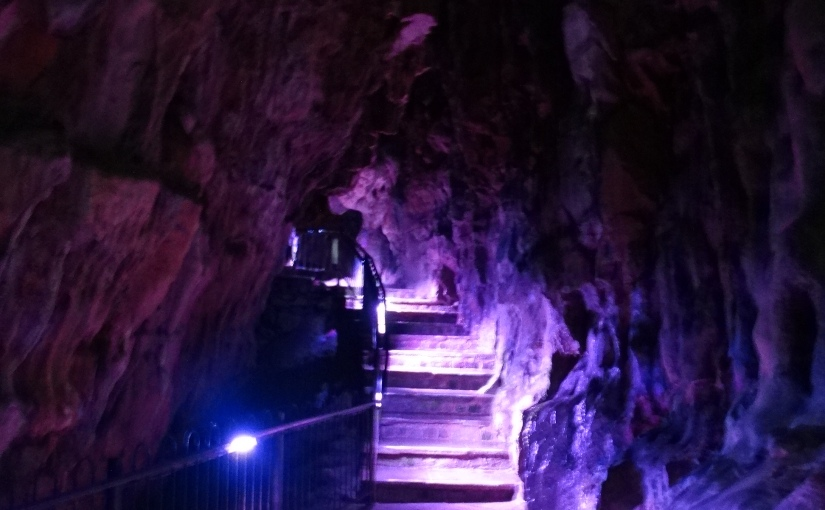 Retirees Go Abroad – Ordinary Lives living in the UK – Poole'sCavern