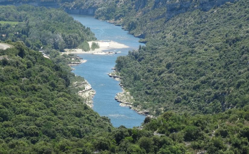 The Retirees go Abroad – On the road to Avignon – La Grotte de St Marceld'Ardeche
