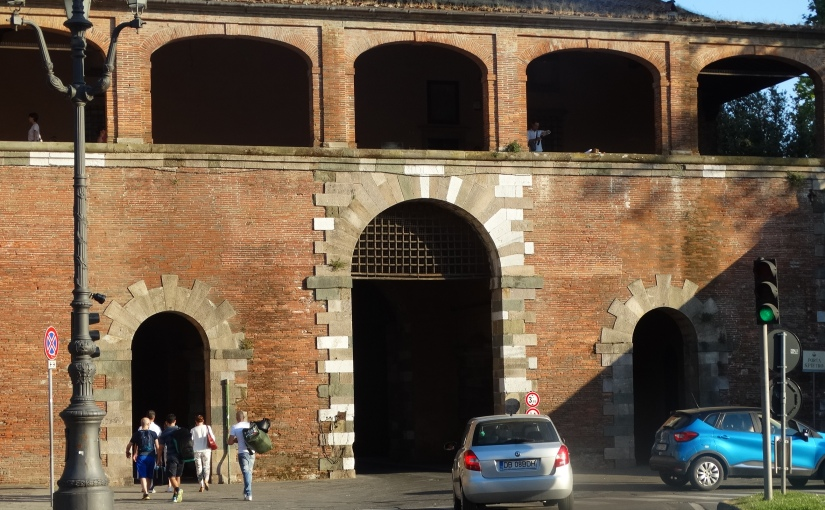 The Retirees go Abroad – Lucca on a hotday
