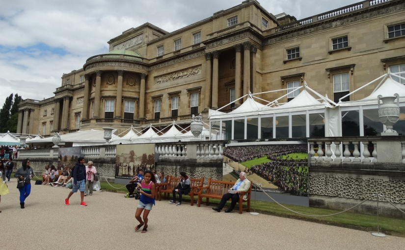 The Retirees go Abroad – London in July – BuckinghamPalace