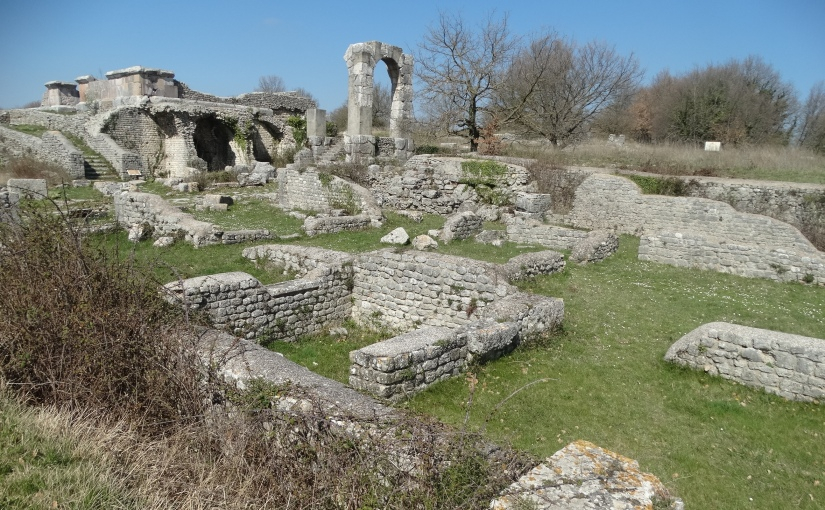 The Retirees return to Italy – Umbria – The ruins ofCarsulae